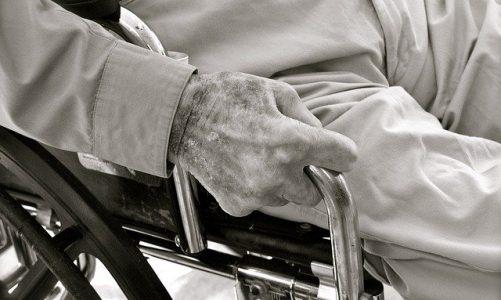 Betreuung älterer Eltern: 5 Tipps zur Vermeidung von Burnout bei der Pflege